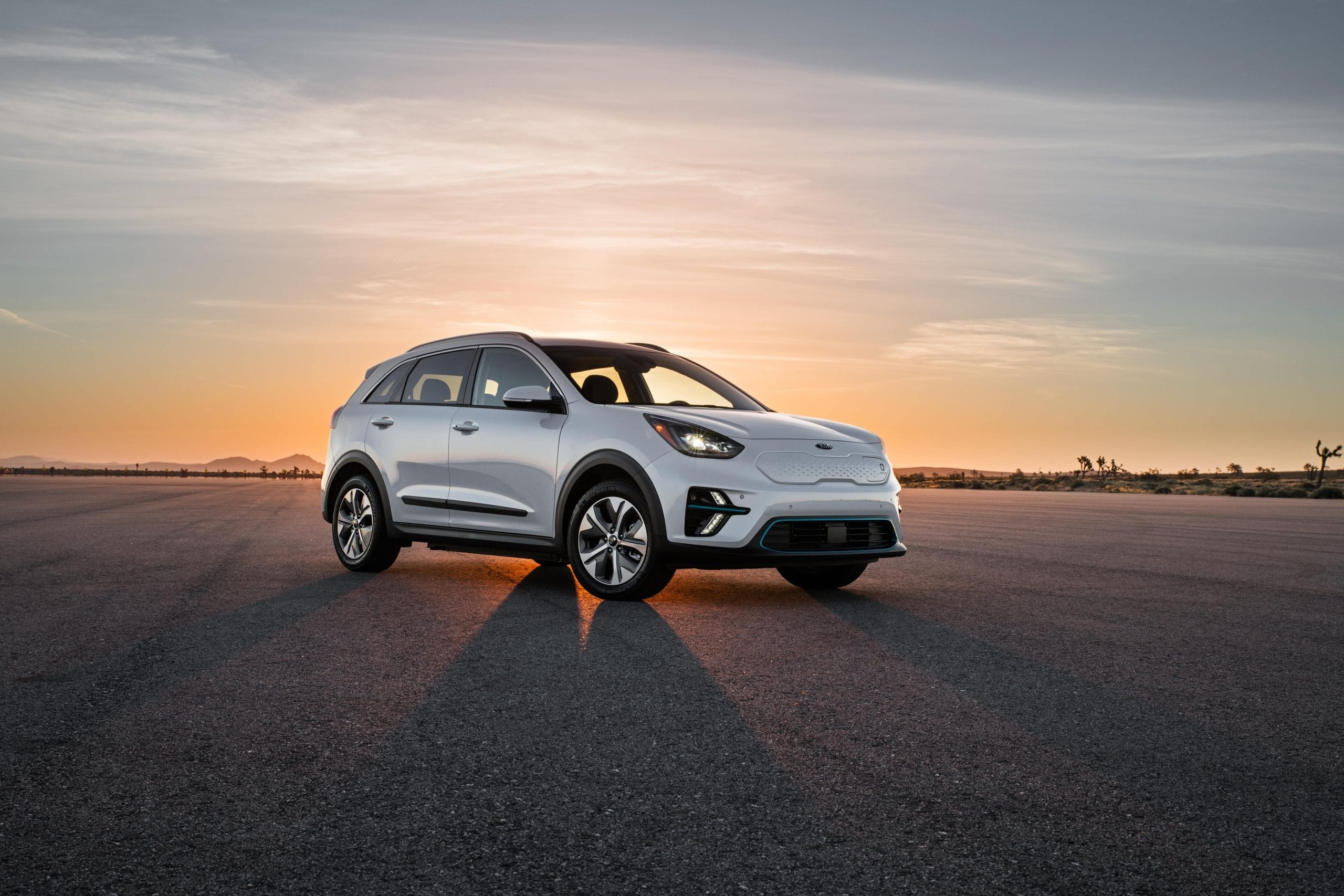 2021 kia niro white outdoor sunset lot